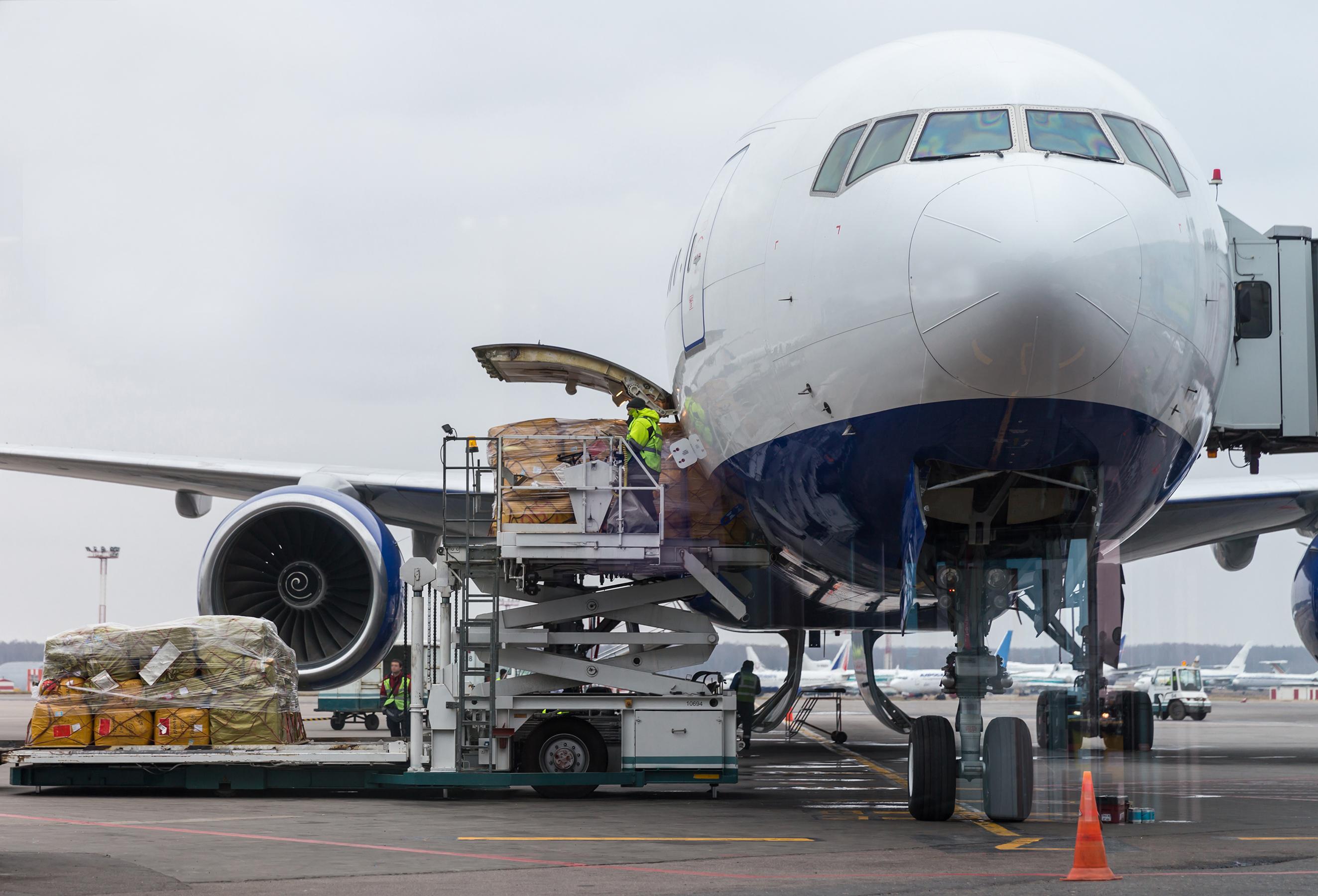 avião de carga